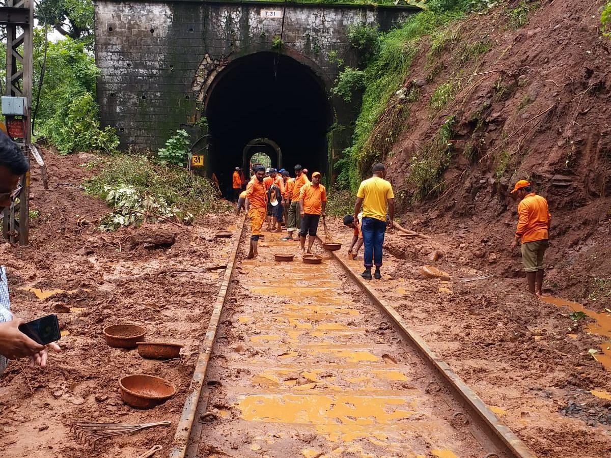 Maharashtra floods: CR clears path for trains towards Pune and Nashik