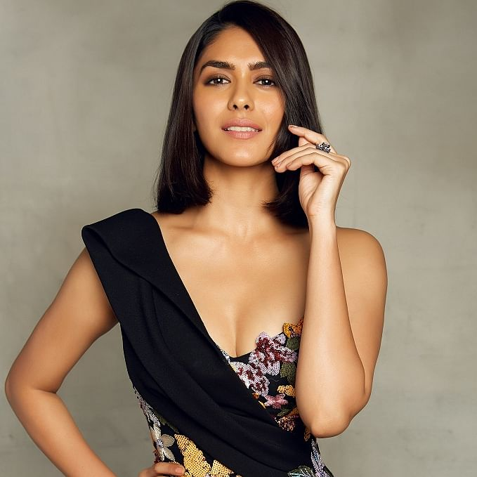 'I am waiting for that right person to send me flowers': 'Toofaan' actor Mrunal Thakur opens up about life and movies