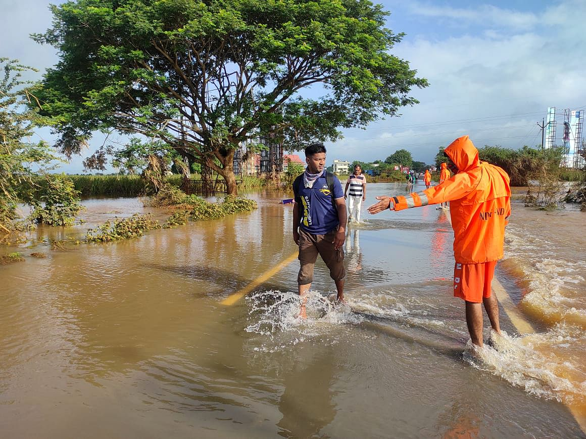 Maharashtra floods: 209 people dead, 8 missing due to heavy rains and floods