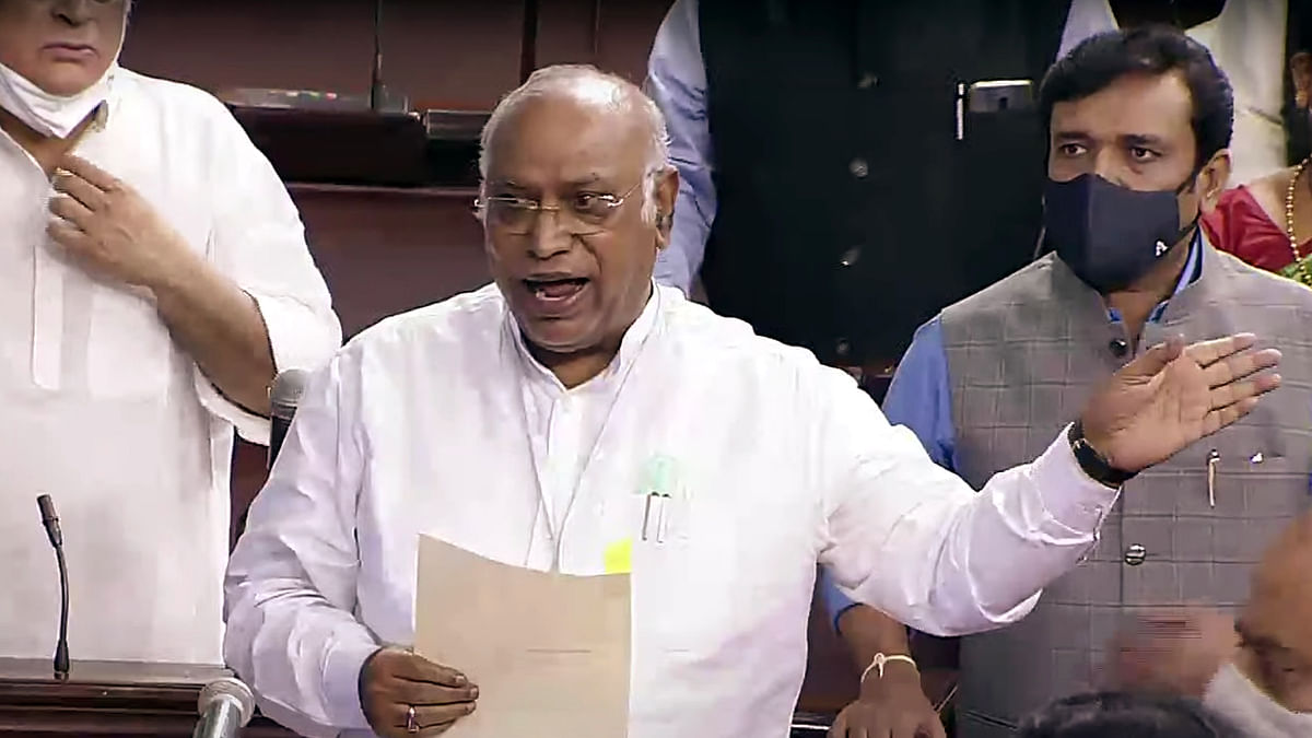 First discussion, then presentation: Mallikarjun Kharge on PM Modi's briefing on COVID-19