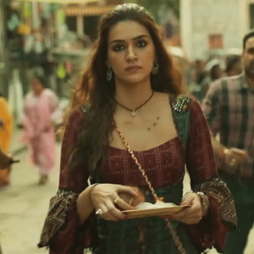 'Mimi' Trailer Out: Kriti Sanon, Pankaj Tripathi's film tells an unconventional story about surrogacy