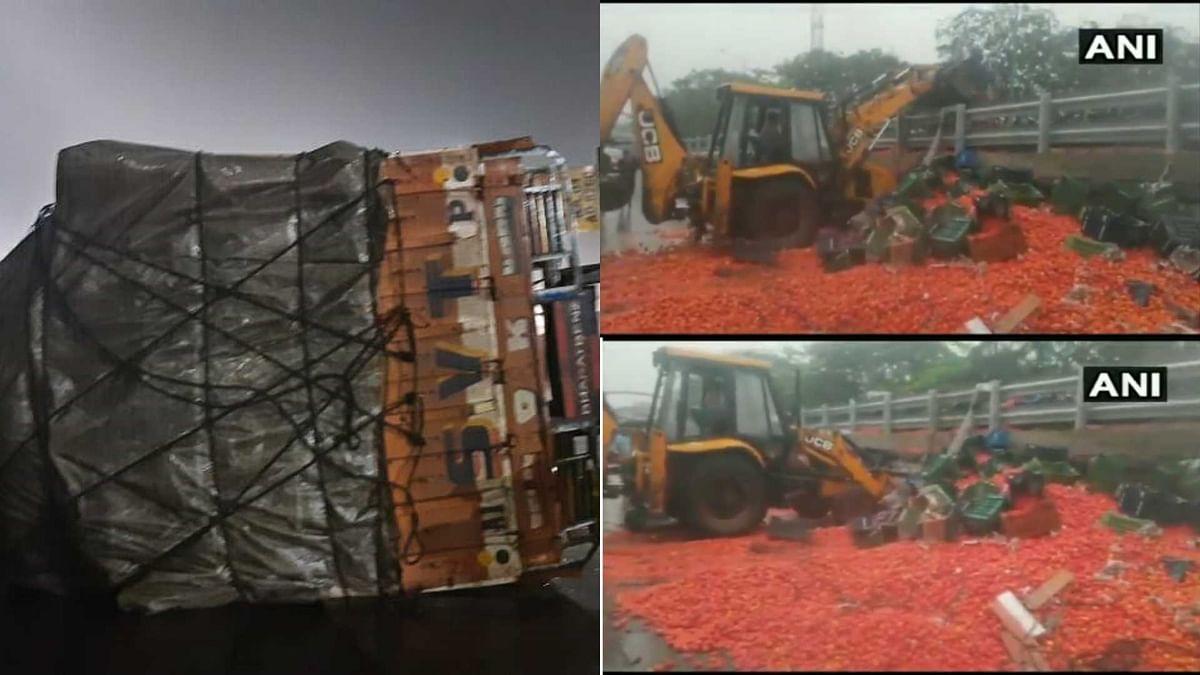 Watch: Tomato-laden truck overturns near Kopari in Thane