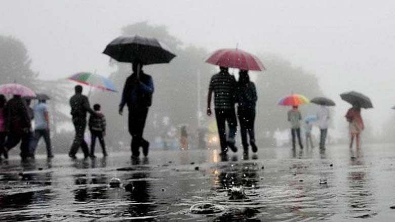 Heavy rain lashes parts of Delhi, brings respite from scorching heat