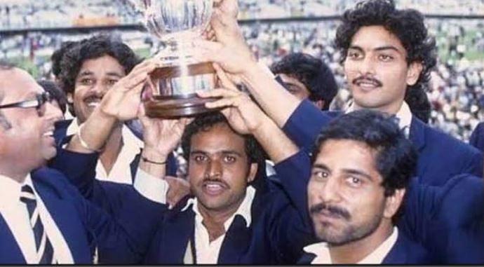 yashpal Sharma (C) with his teammates