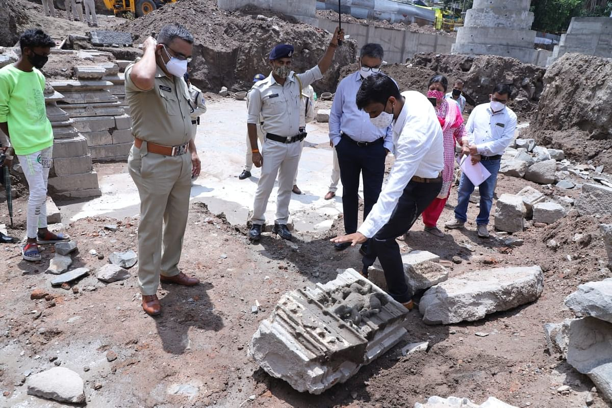 Ujjain: ADG, SP inspect archaeological finds on Mahakal temple premises