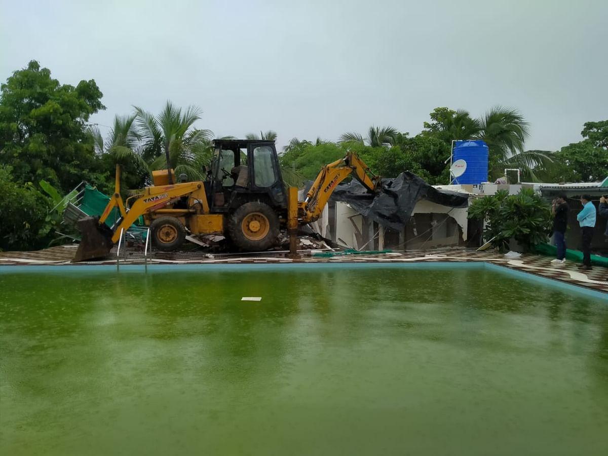 Mira Bhayandar: MBMC razes resort on govt land in Uttan-Gorai Road