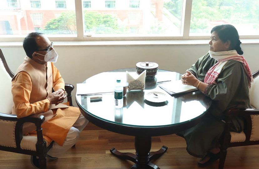 State culture minister Usha Thakur holding talks with chief minister Shivraj Singh Chouhan about department related issues in Bhopal last week