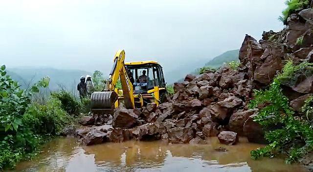 Two persons missing after landslide in Satara district of Maharashtra