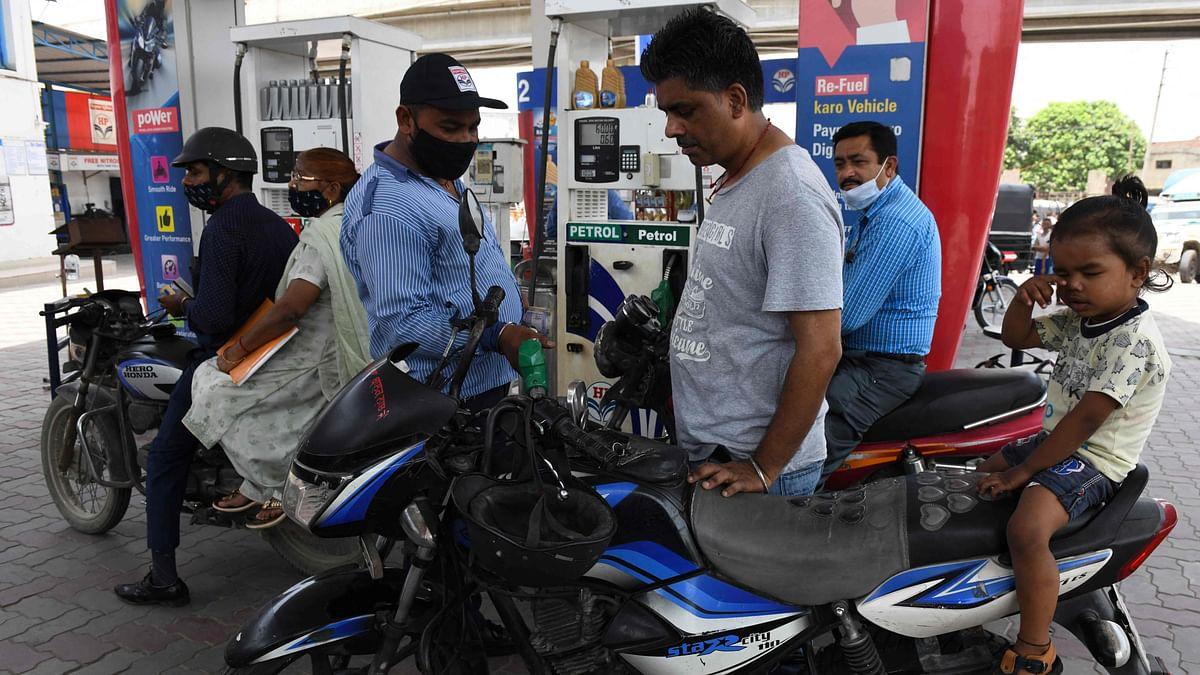 Petrol price crosses Rs 107-per-litre mark in Mumbai; diesel rates drop