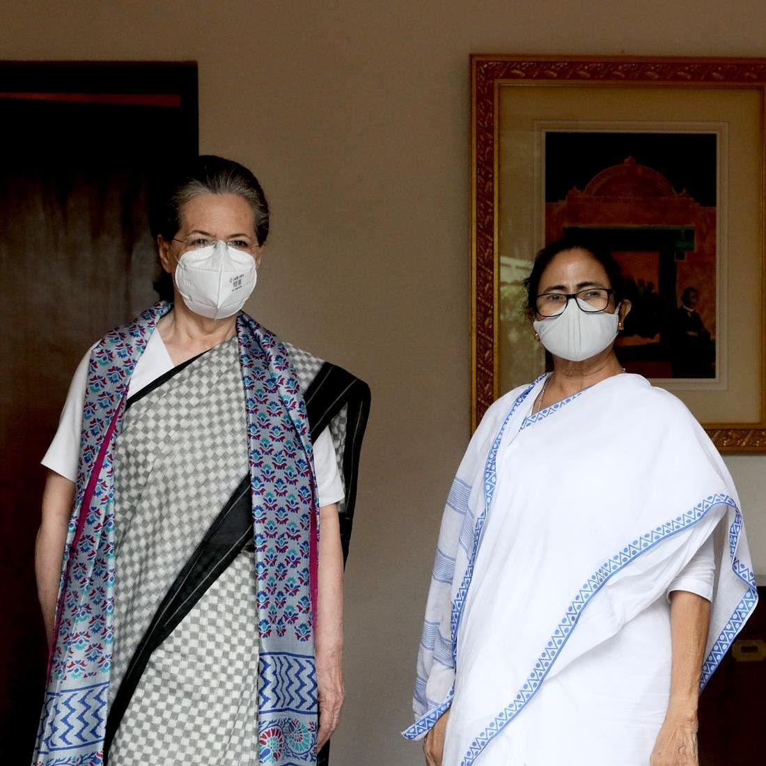 Delhi: West Bengal CM Mamata Banerjee meets Sonia Gandhi, Rahul Gandhi at 10 Janpath