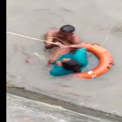 Watch video: Alert photographer saves woman's life at Mumbai's Gateway of India