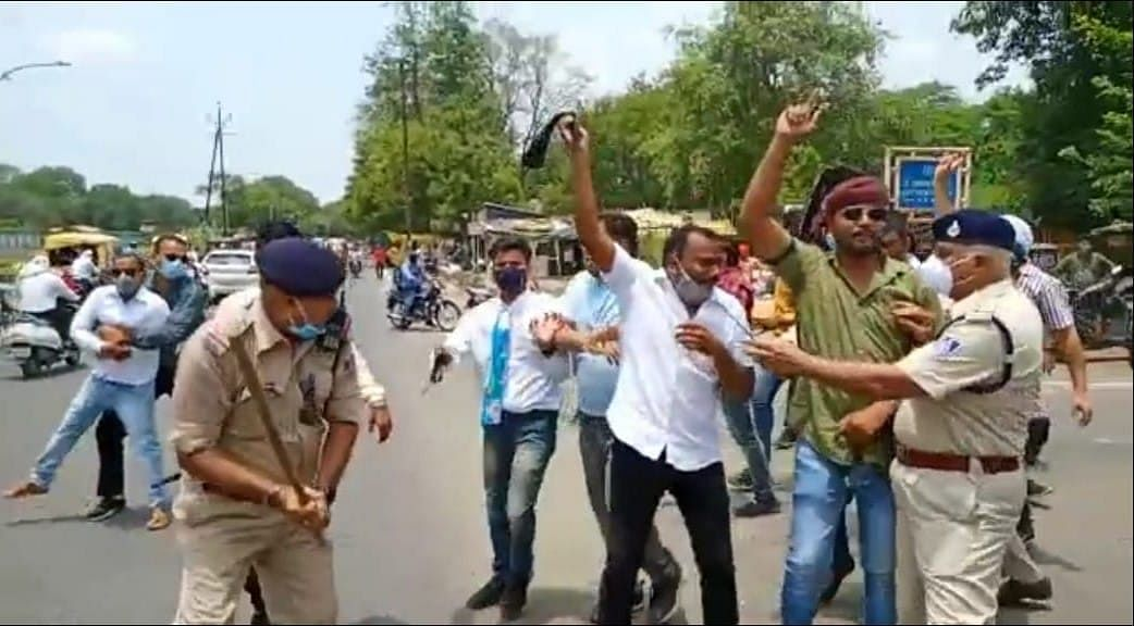 Jabalpur: Youth Congress workers detained as they tried to show black flags to chief minister Shivraj Singh Chouhan