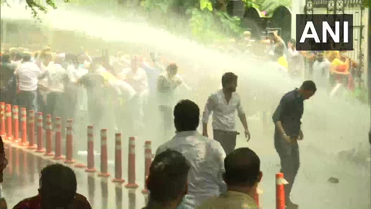 Delhi police attack BJP workers with water cannons as party tries cut water supply to Satyendar Jain's house