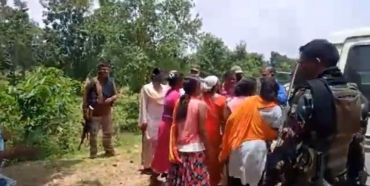 Chhattisgarh: Villagers chase away government officers looking land for food processing plant in Naxal affected area