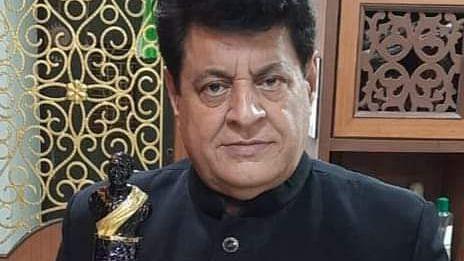 'Mahabharat' actor Gajendra Chauhan claims being awarded Dadasaheb Phalke Award 2021; Twitterati ask, 'Who are you'