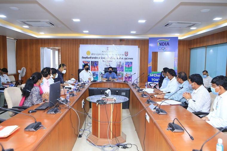 Mumbai: Aaditya Thackeray chairs meeting after recent landslides in Chembur, Bhandup, Vikhroli, reviews relief and repair operations of three sites
