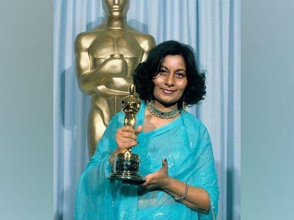 Oscar winning costume designer Bhanu Athaiya