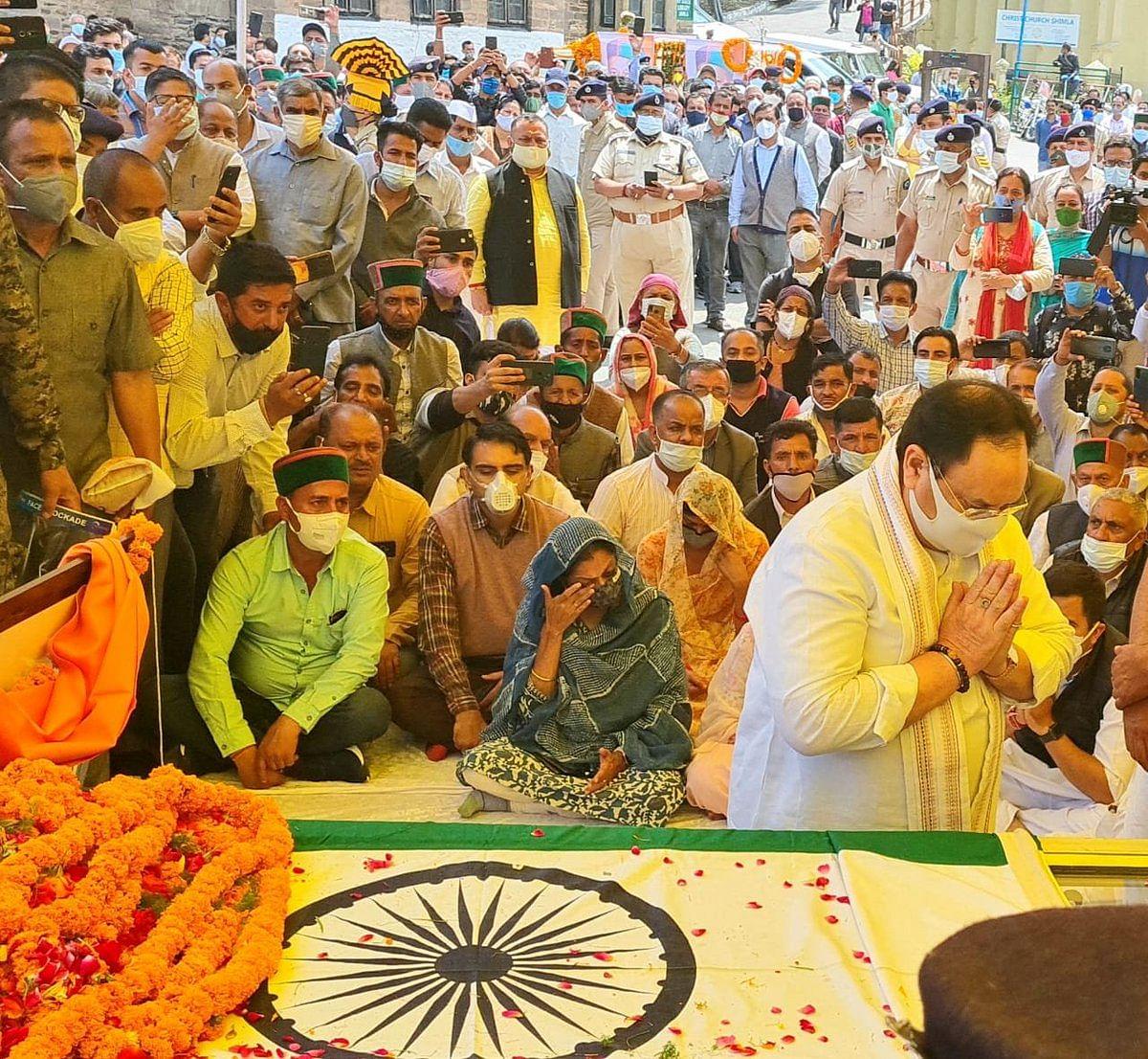 BJP president JP Nadda pays tribute to former Himachal Pradesh CM & Congress leader Virbhadra Singh.