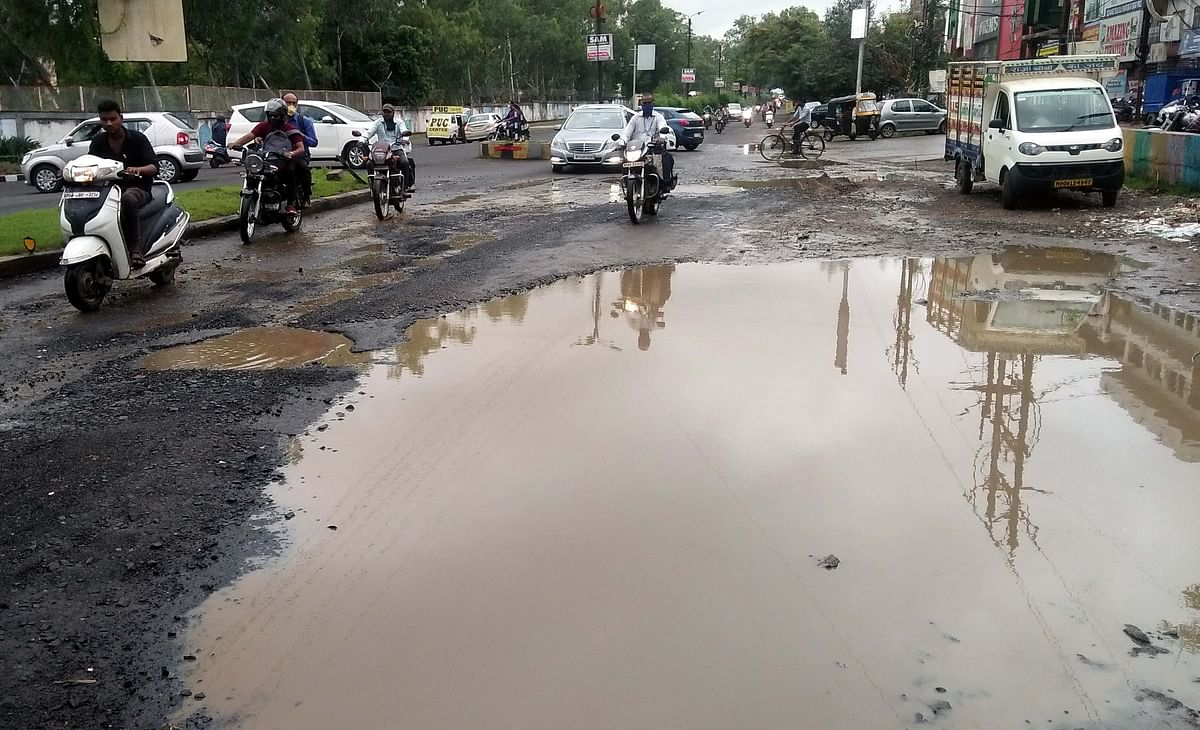 Bhopal: Rain exposes hollow claims of municipal corporation as roads develop potholes in state capital