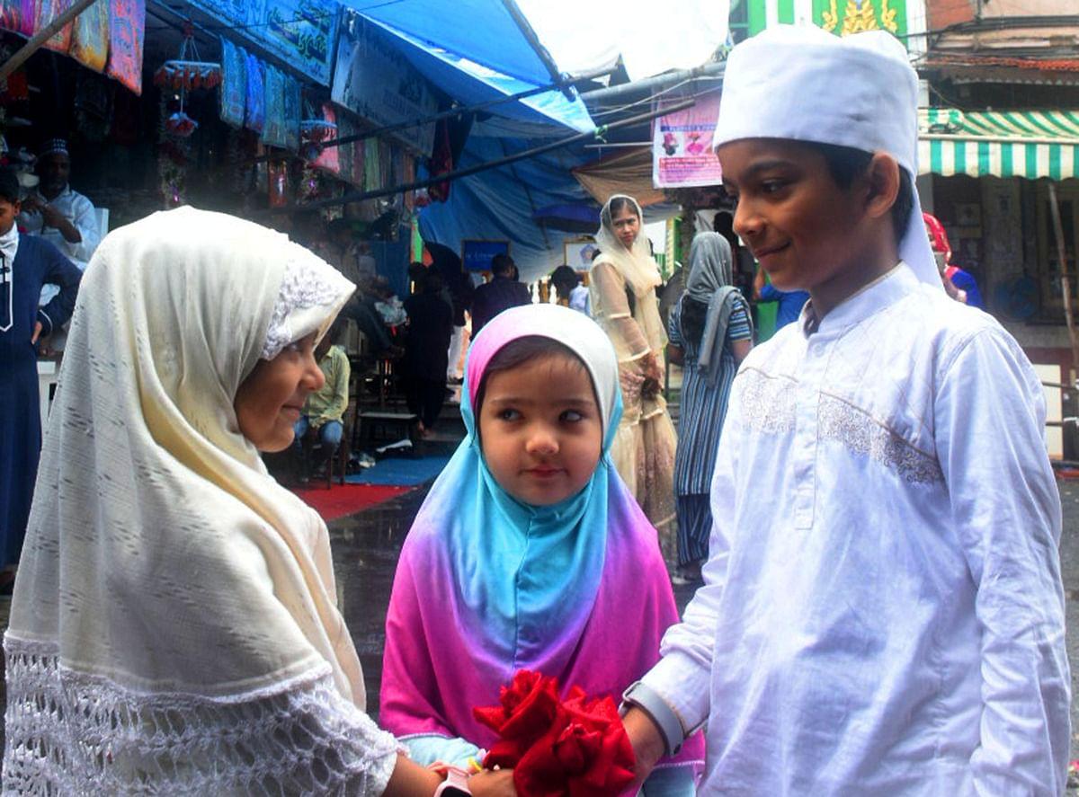 Kids celebrate Eid in Mahim outside the shrine of Makhdoom Ali Mahimi