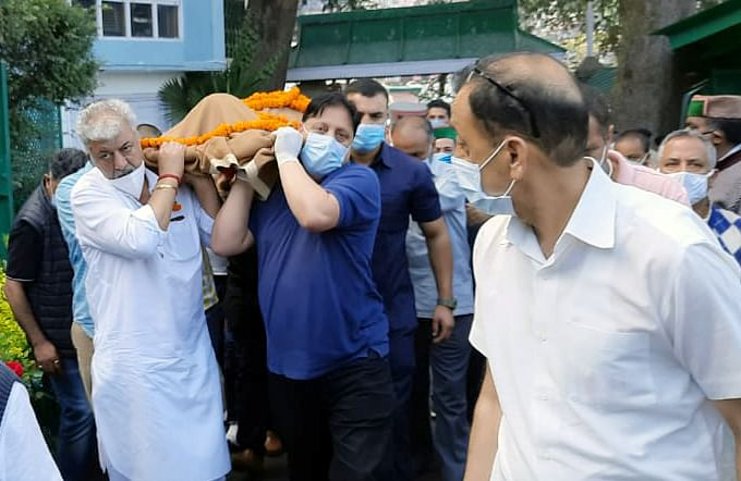 Mortal remains of Former Chief Minister of Himachal Pradesh Virbhadra Singh brought to his residence, in Shimla on Thursday.