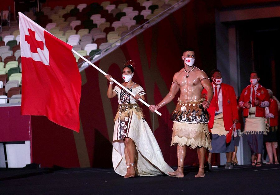 'Please give this guy gold medal': Twitterati drool over Tonga's 'shirtless' flagbearer Pita Taufatofua at Tokyo Olympics