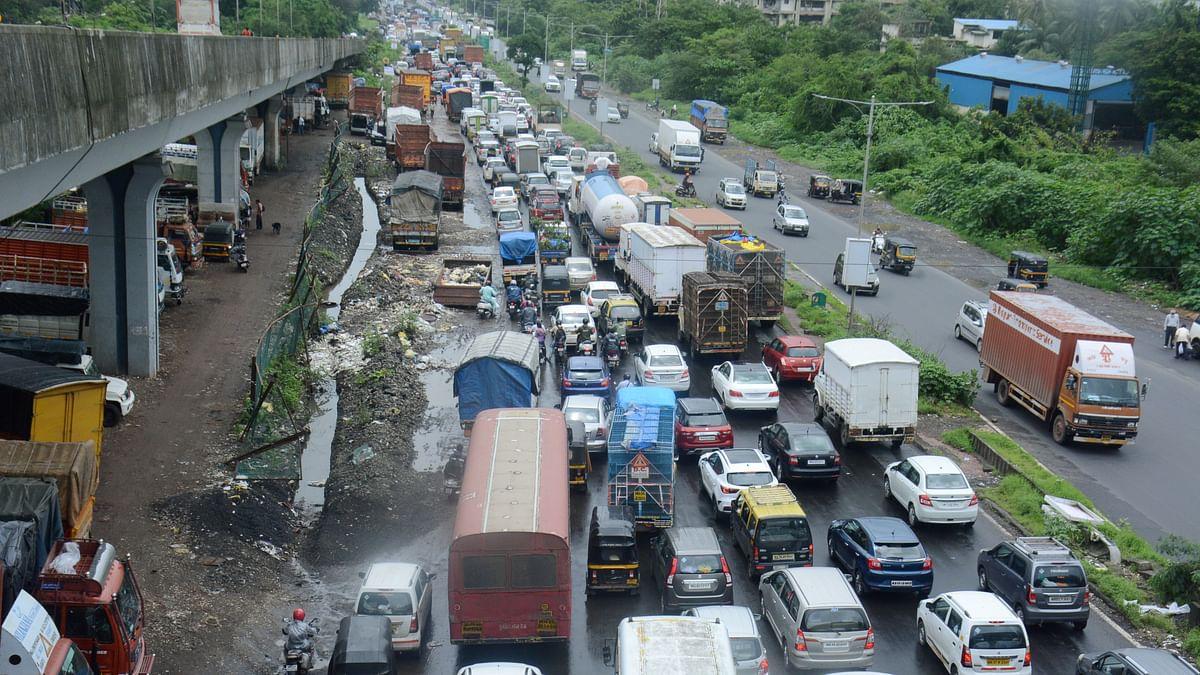 Mumbai traffic update: Waterlogging slows down traffic movement on roads, no major snarls