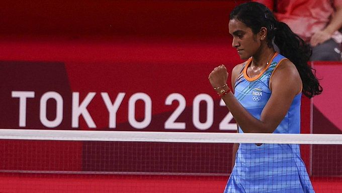 'Proud of you': Abhishek Bachchan, Taapsee Pannu and other stars laud PV Sindhu for second successive Olympic medal