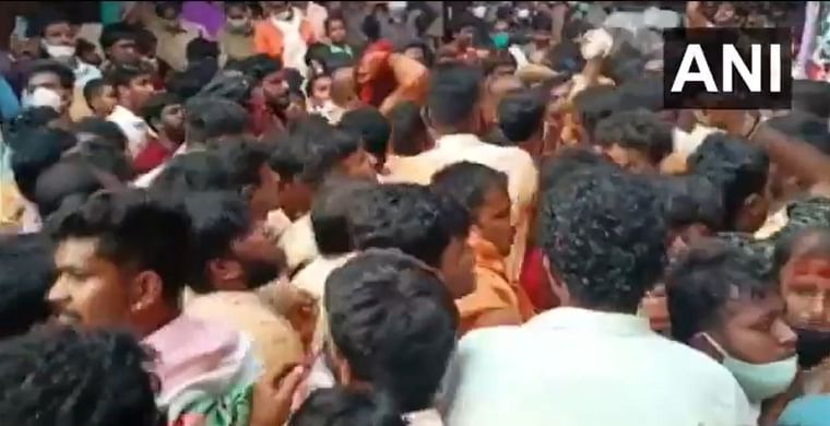 Watch video: COVID-19 norms go for toss during Bonalu festival celebrations in Hyderabad