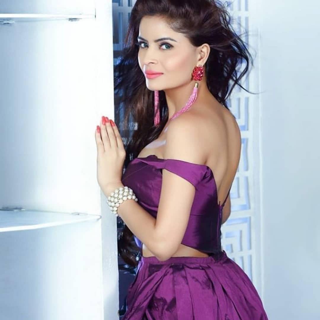 Gehana Vasisth claims Mumbai Police demanded Rs 15 lakh to evade arrest in porn films case