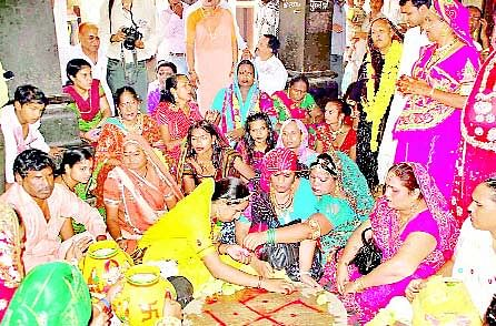 Mumbai: Transgenders come together for a better tomorrow