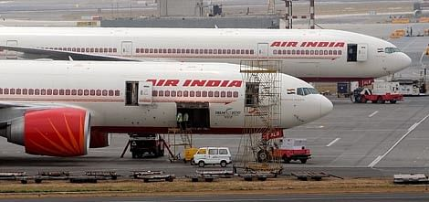 Air India ties up with PNB, IndusInd for Rs. 3,250 cr loan