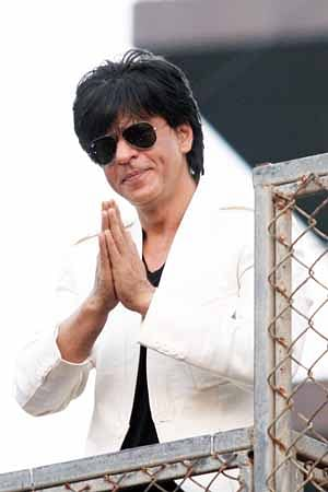 SRK undergoes eye surgery, all's well