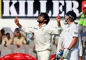 Trying to bowl in good areas and mix up deliveries: Jadeja