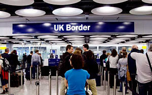 Visa delays leave Indian students stranded in UK