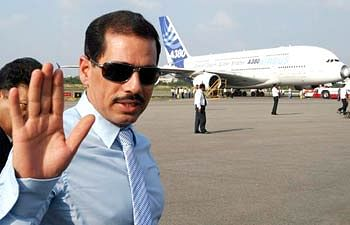 Committee which probed Khemka's order cancelling Vadra's land deal gives report