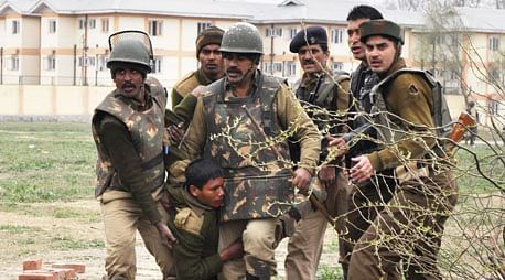 Army jawan killed in gunfight with ultras in Budgam