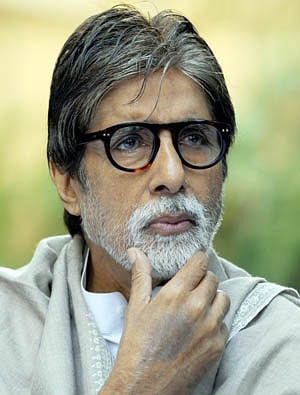 Man held for trespassing into Big B's house in Mumbai