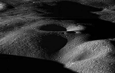 NASA spots leaping lunar dust
