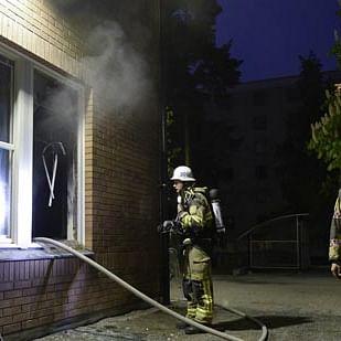 Goregaon godowns gutted, 2 firemen hurt