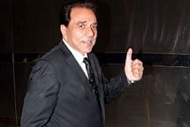 Cannot stay away from camera: Dharmendra