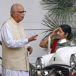 Sushma Swaraj a role model for women leaders: LK Advani