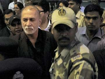 SC grants three weeks interim bail to Tarun Tejpal
