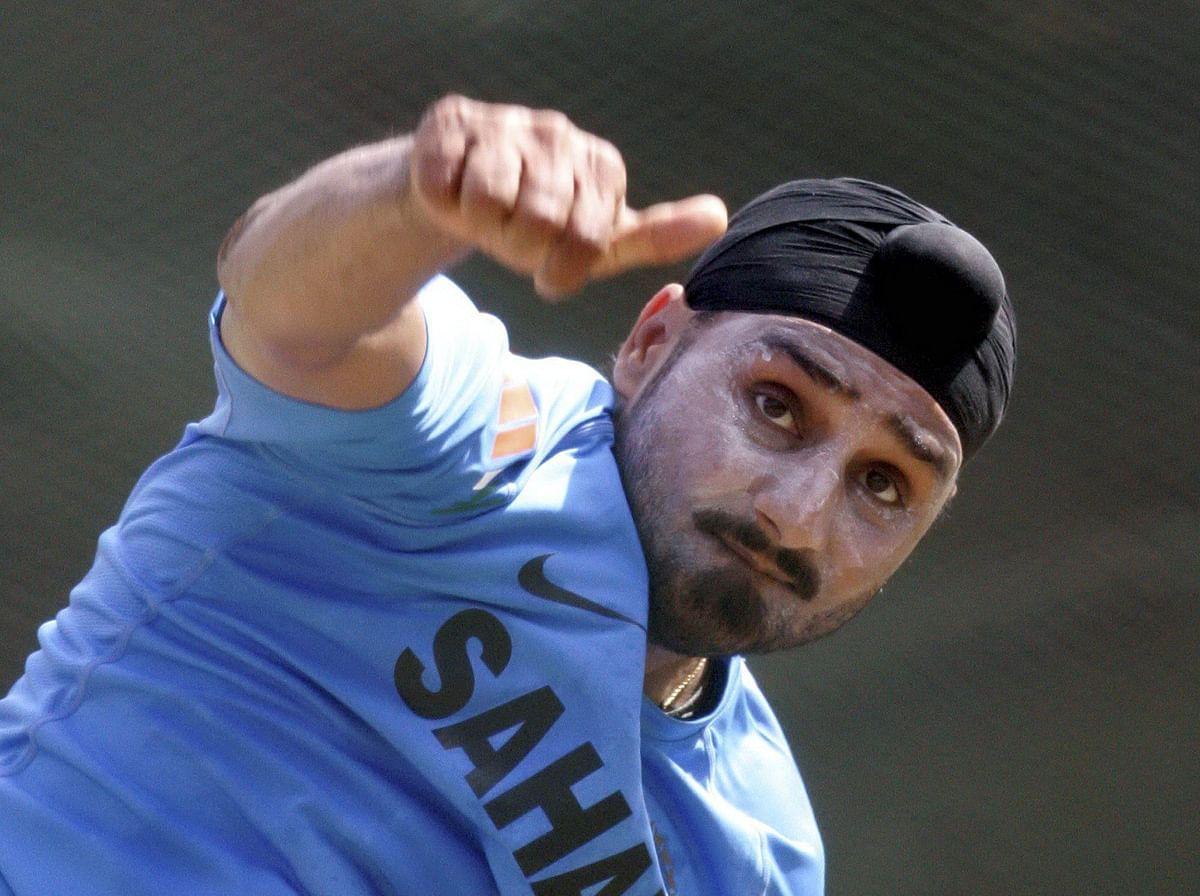 Not easy for an Indian cricketer  to retire like Swann: Harbhajan