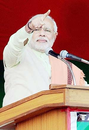 Narendra Modi promises people of Jharkhand of development if BJP comes to power in 2014