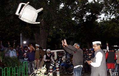 BJP complains, poll panel serves notice to AAP