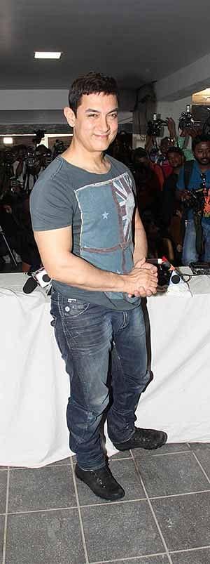 Aamir denies using force