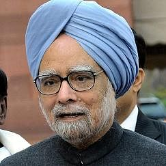 India in the middle of a protracted slowdown: Manmohan Singh