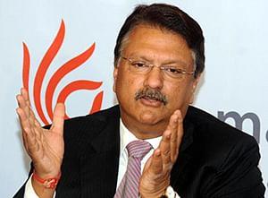 Piramal Enterprises sells 9.9% stake in Shriram Transport