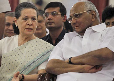 Despite Sena's bluster, Sharad Pawar rules out supporting them after meeting Sonia Gandhi